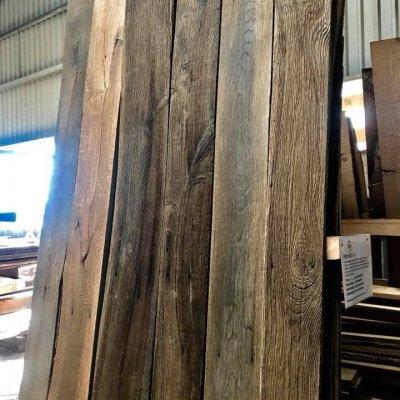 Reclaimed oak barnwood
