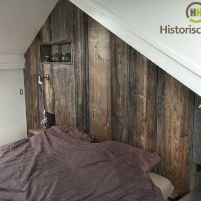 Wand van grenen planken