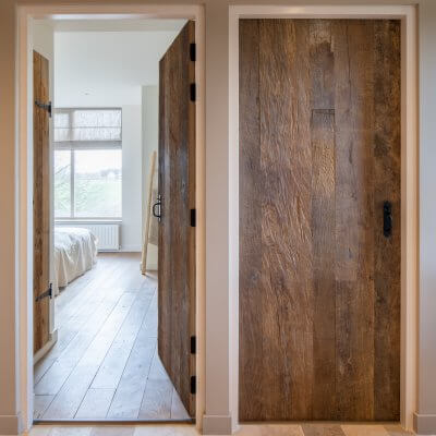 Oud eiken fineer deur