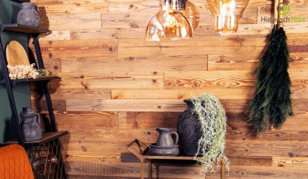 Diep gegroefd hout